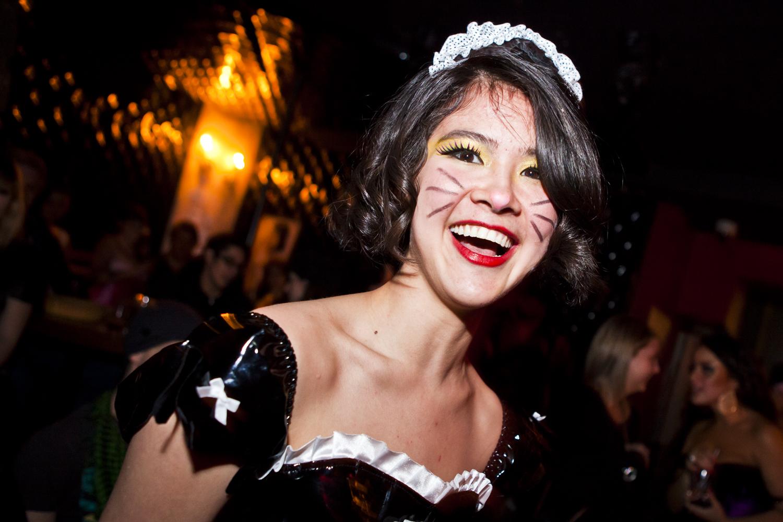 Cirque Burlesque à l'Abreuvoir: serpent, bonbons et petites tenues