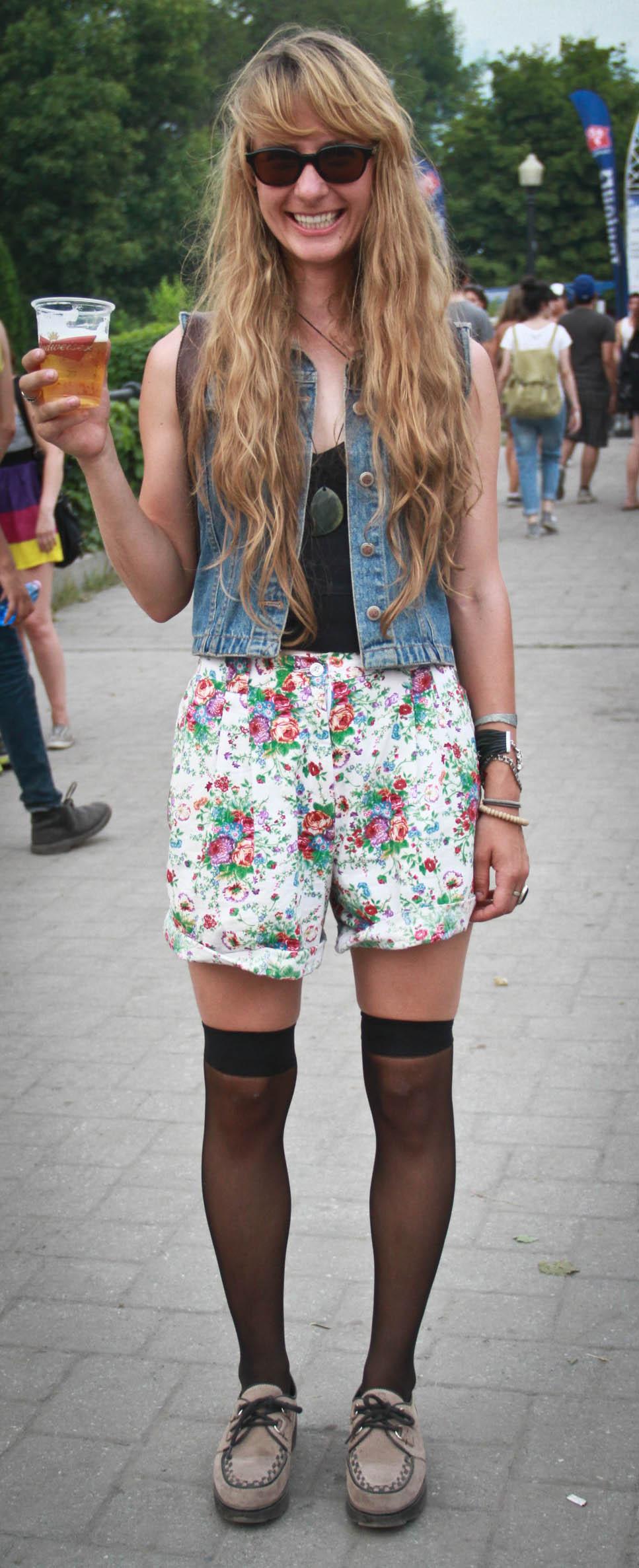 Osheaga Street Stylin': les filles portent du léger et des looks bien colorés