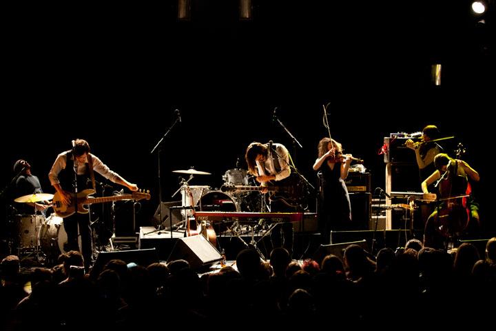 Malajube au Corona, un groupe ému et généreux sur scène