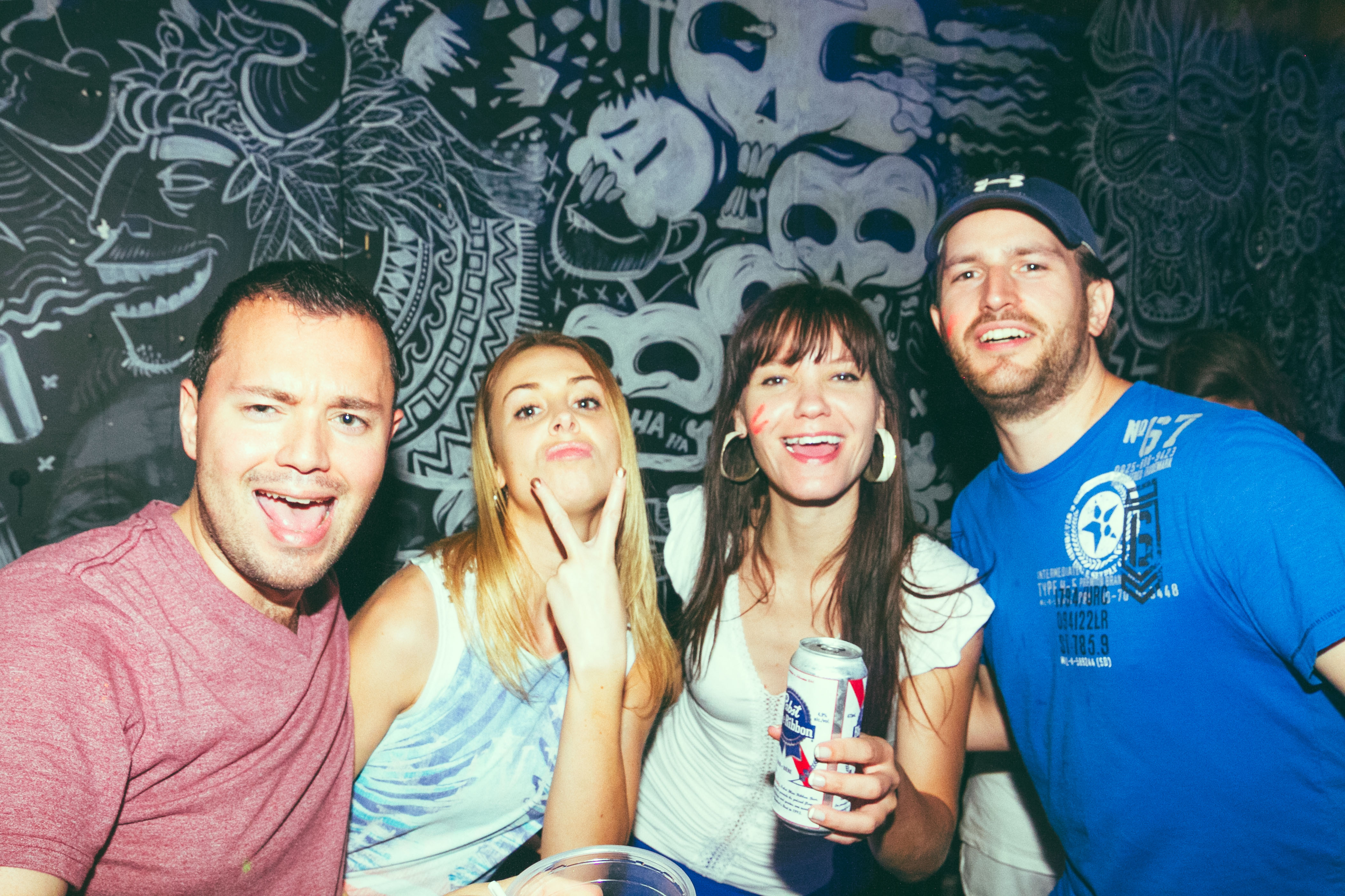 Drink! le Glow Party Yo! de MTL Blog ou comment manger les seins de Madame