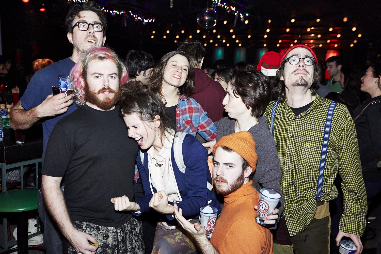 Un party de Noël arrosé pour La Royale Électrique, Preste, Coyote Records, etc. au Cabaret de Mile-End