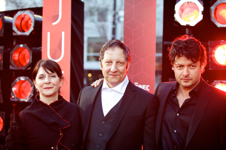 JUTRA 2014: les vedettes du cinéma québécois défilent sur le tapis rouge malgré le temps glacial
