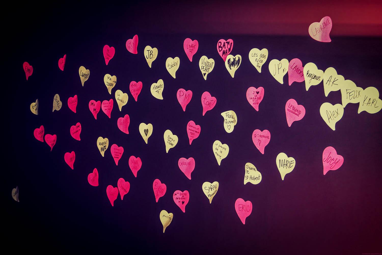 L'amour passe à travers le linge II: des chandails, de l'humour et de la musique!