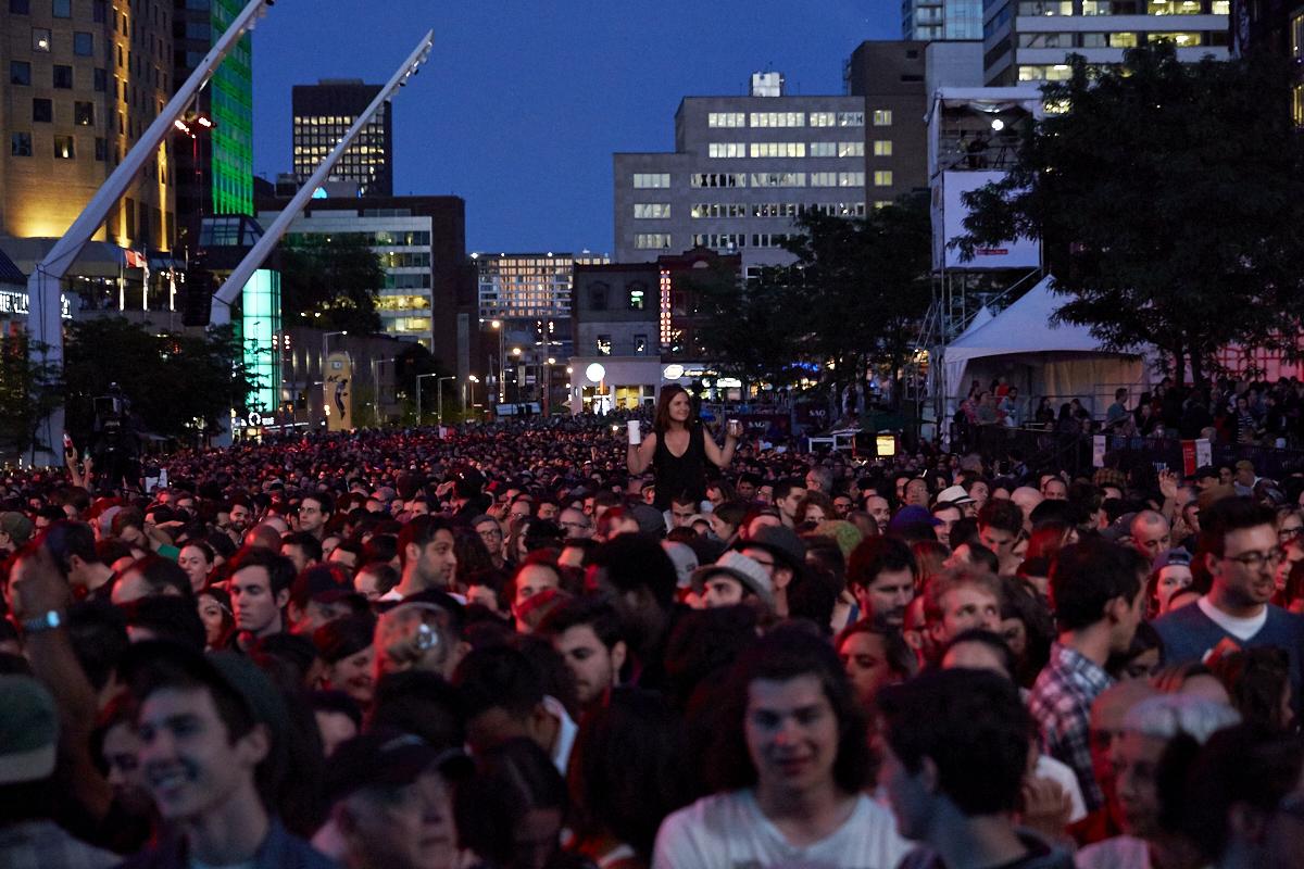 Le groupe Beirut offre un spectacle d'ouverture grandiose au Festival de Jazz de Montréal