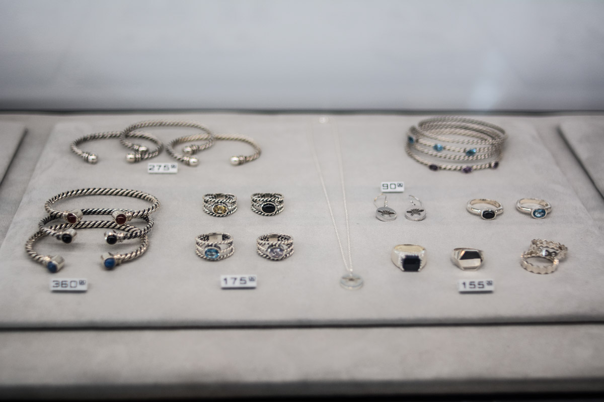 La boutique de bijoux Myel ouvre officiellement ses portes sur Laurier avec bulles et cadeaux!