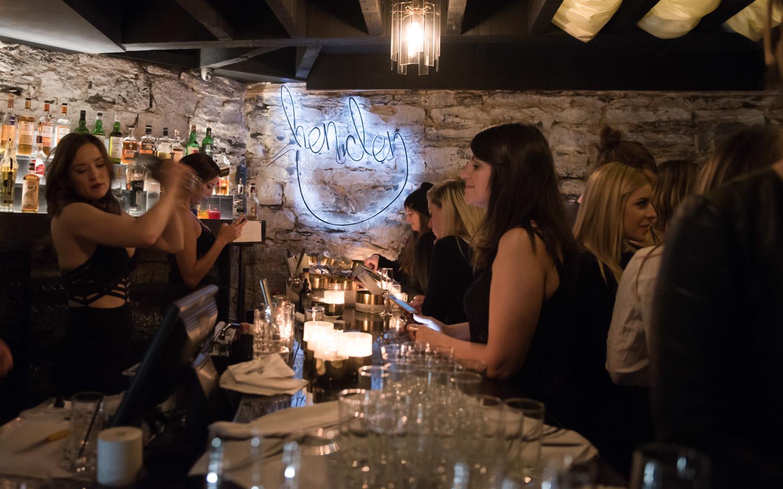 Henden: le bar secret le mieux caché de Montréal ouvre enfin ses portes