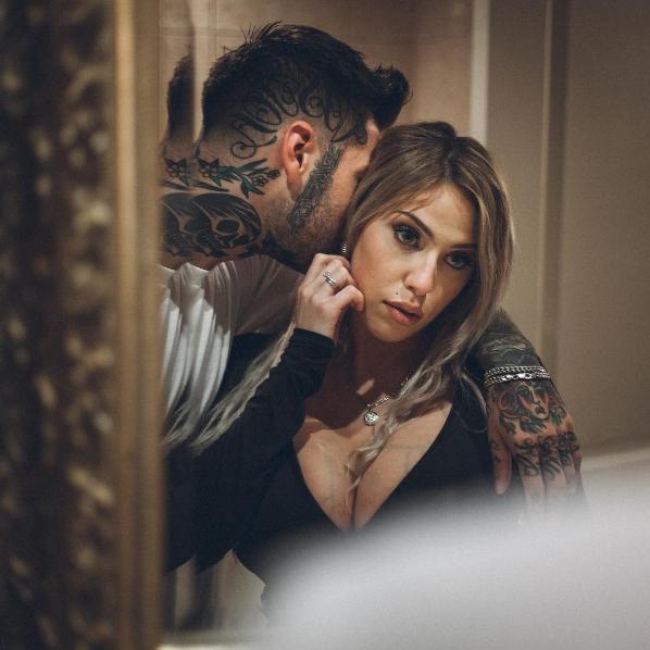 Une ex-vedette XXX et un barbier montréalais seront les vedettes d'une nouvelle télé-réalité