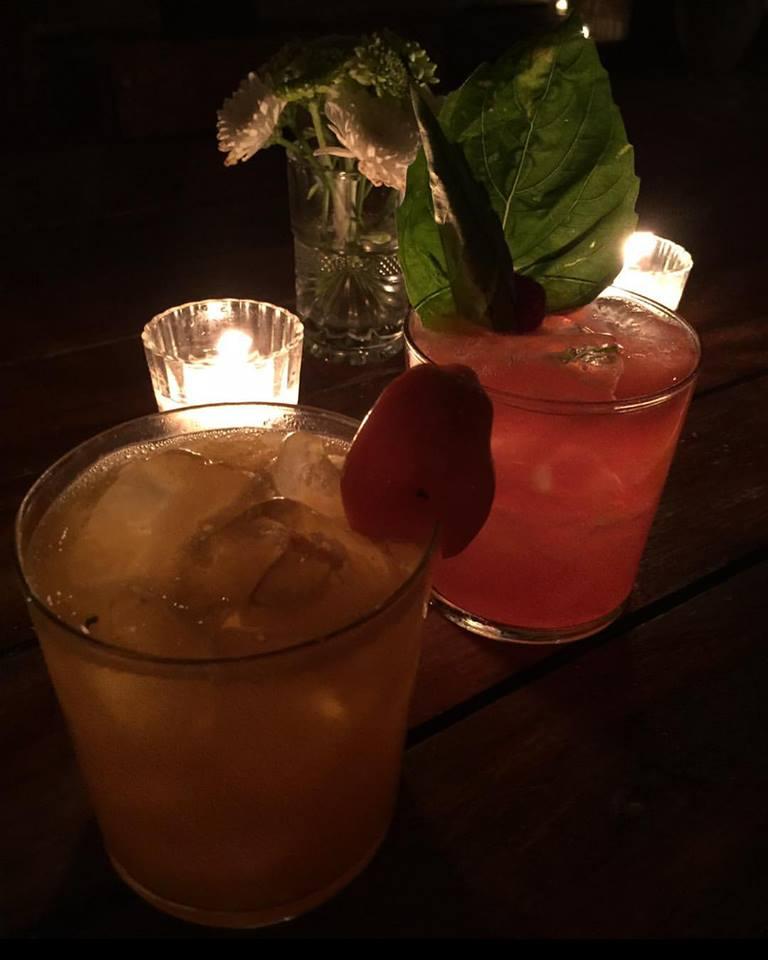 Un tout nouveau cocktail bar à saveur estivale ouvre ses portes dans le Vieux-Montréal