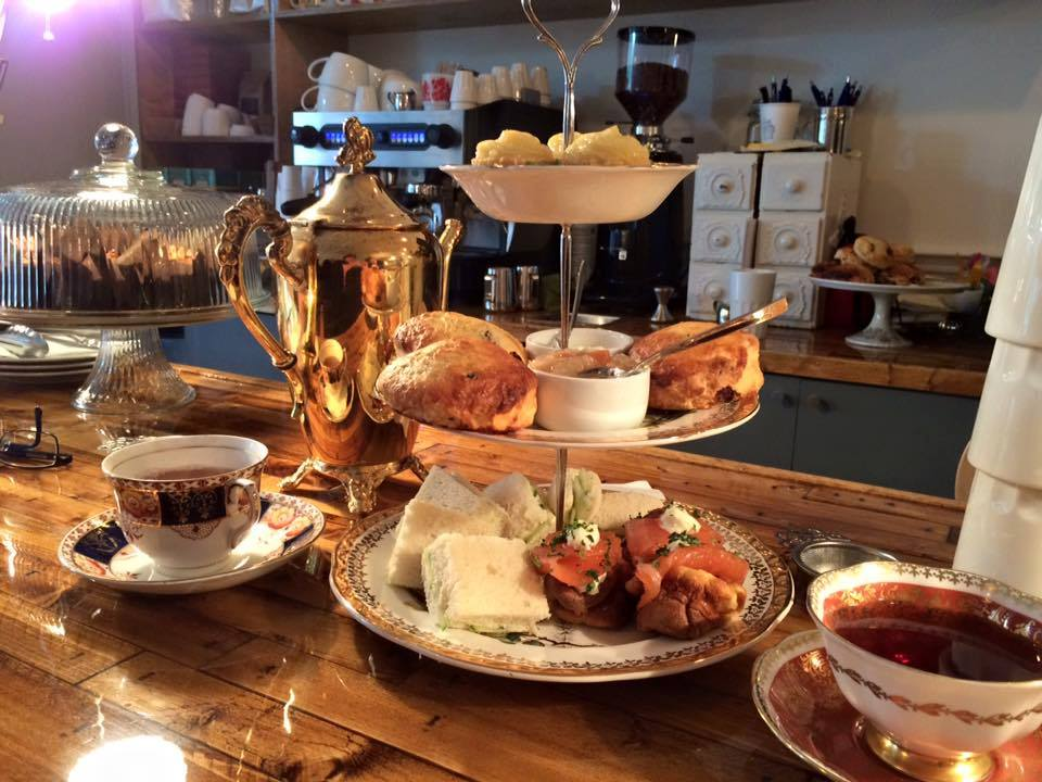 Le Spot de la semaine: La brume dans mes lunettes, le salon de thé parfait pour faire comme si t'étais de sang royal