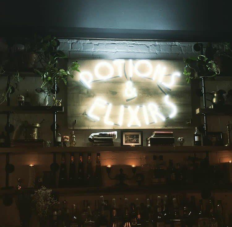Le resto-bar à thématique Harry Potter t'invite à des soirées de magie