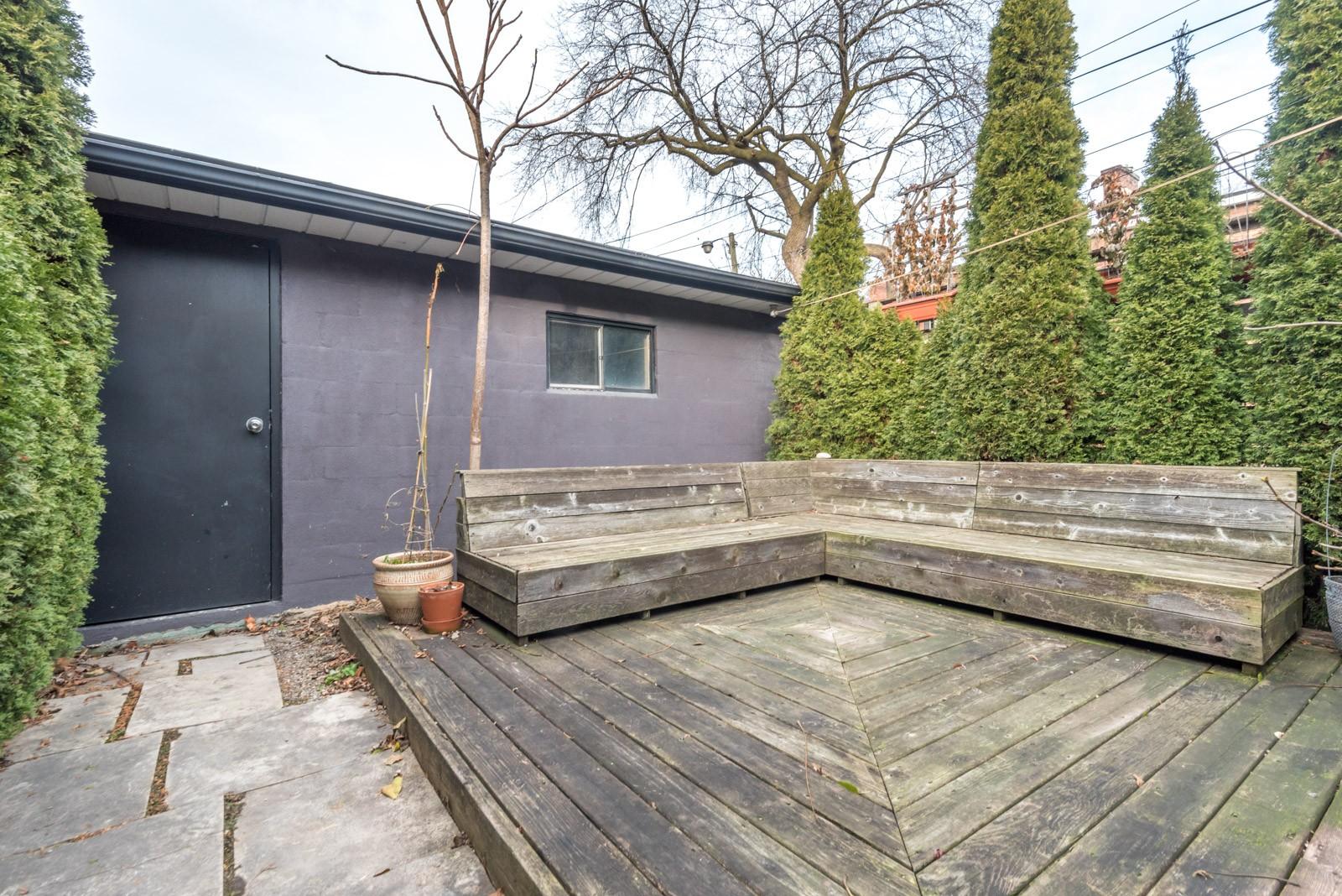 Tu peux maintenant habiter la petite maison modeste de Meghan Markle à Toronto (PHOTOS)