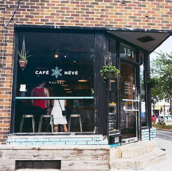 Le Spot de la semaine: le banc du Café Névé sur Rachel