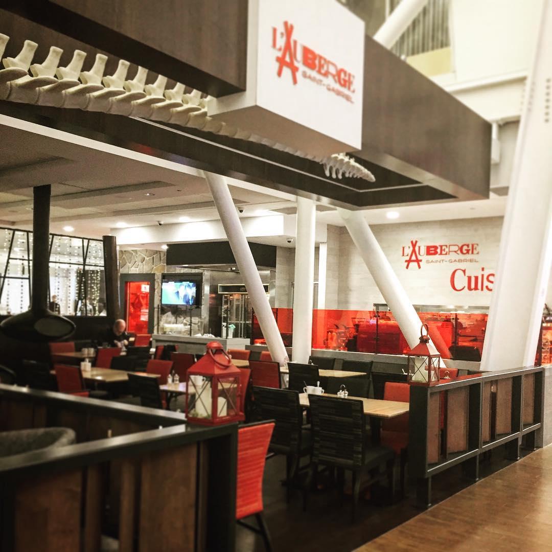 Auberge Saint-Gabriel YUL: pas de la bouffe d'aéroport!