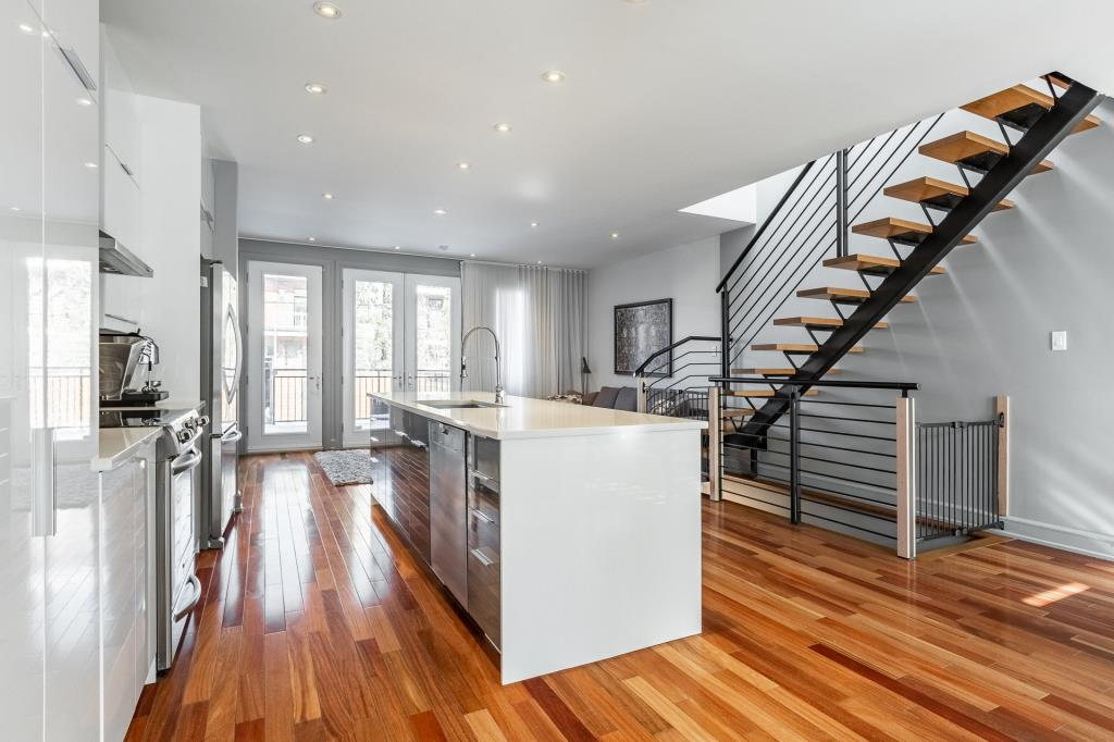 INCROYABLE: Cette maison lumineuse à Villeray est à vendre à plus d'un million!