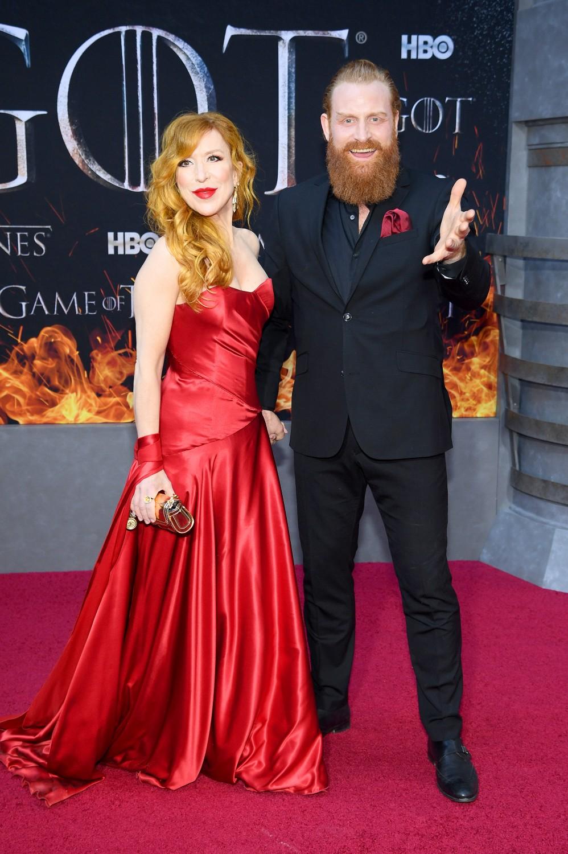 Game of Thrones: Des étoiles et des flammes au tapis rouge de la première (PHOTOS)
