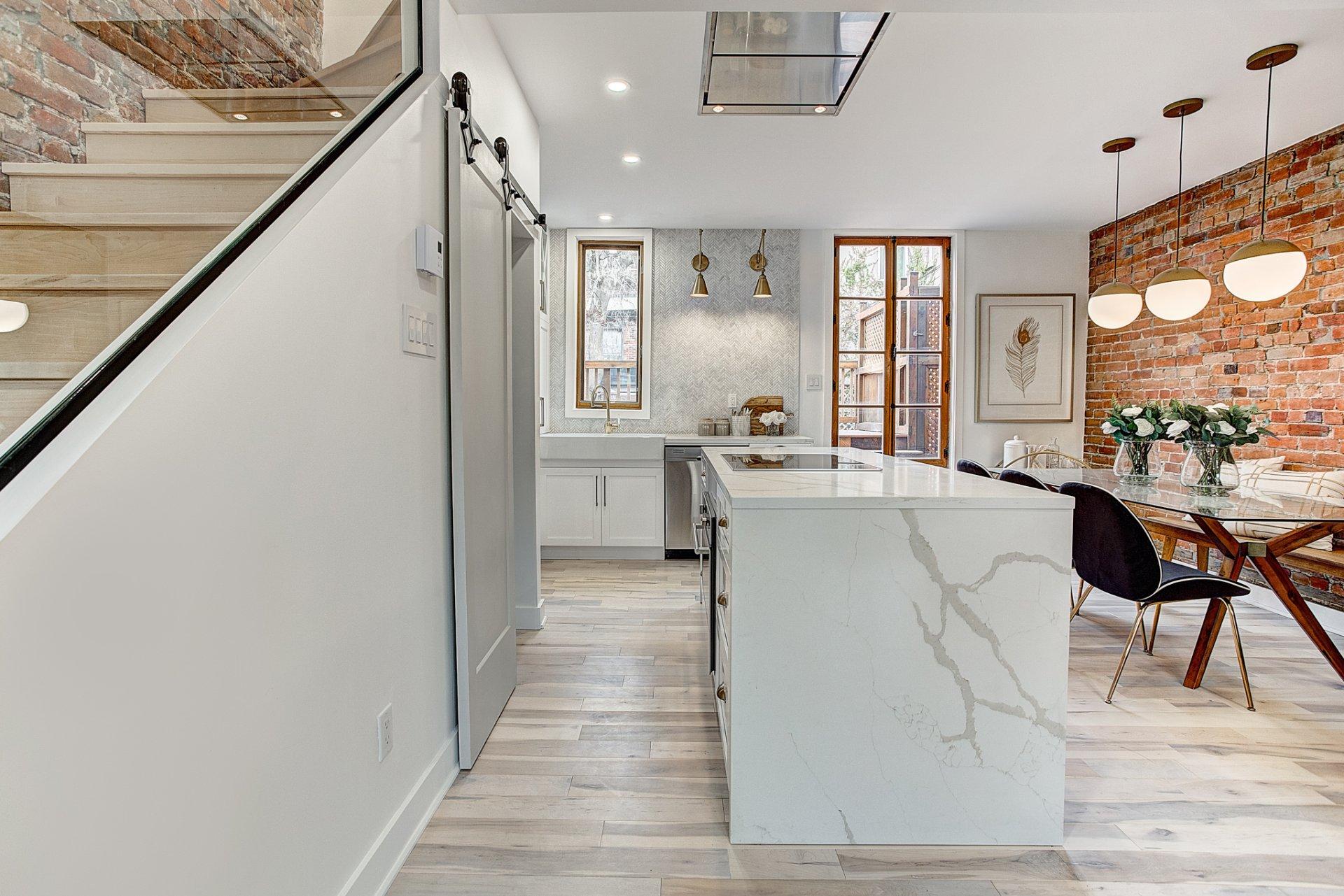 Cette maison à 1 050 000$ prouve qu'il ne faut jamais se fier aux apparences!